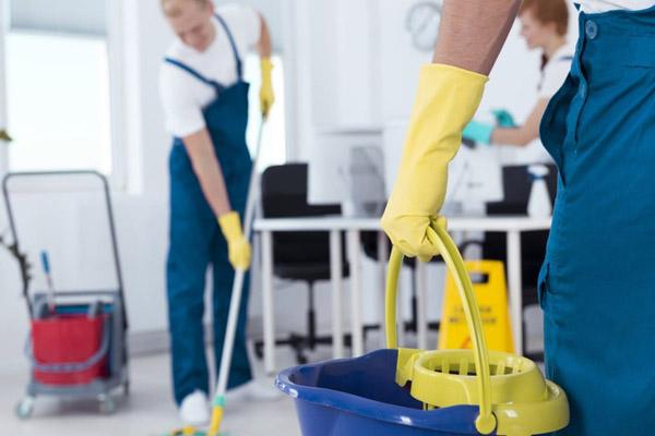 اهمية تنظيف مكاتب شركتك مع افضل شركة تنظيف بالشارقة