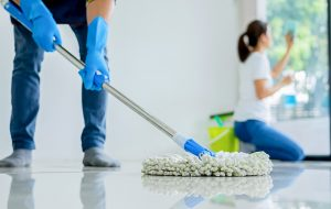شركات تنظيف بالساعه في الشارقه وافضل شركات تنظيف في الشارقة